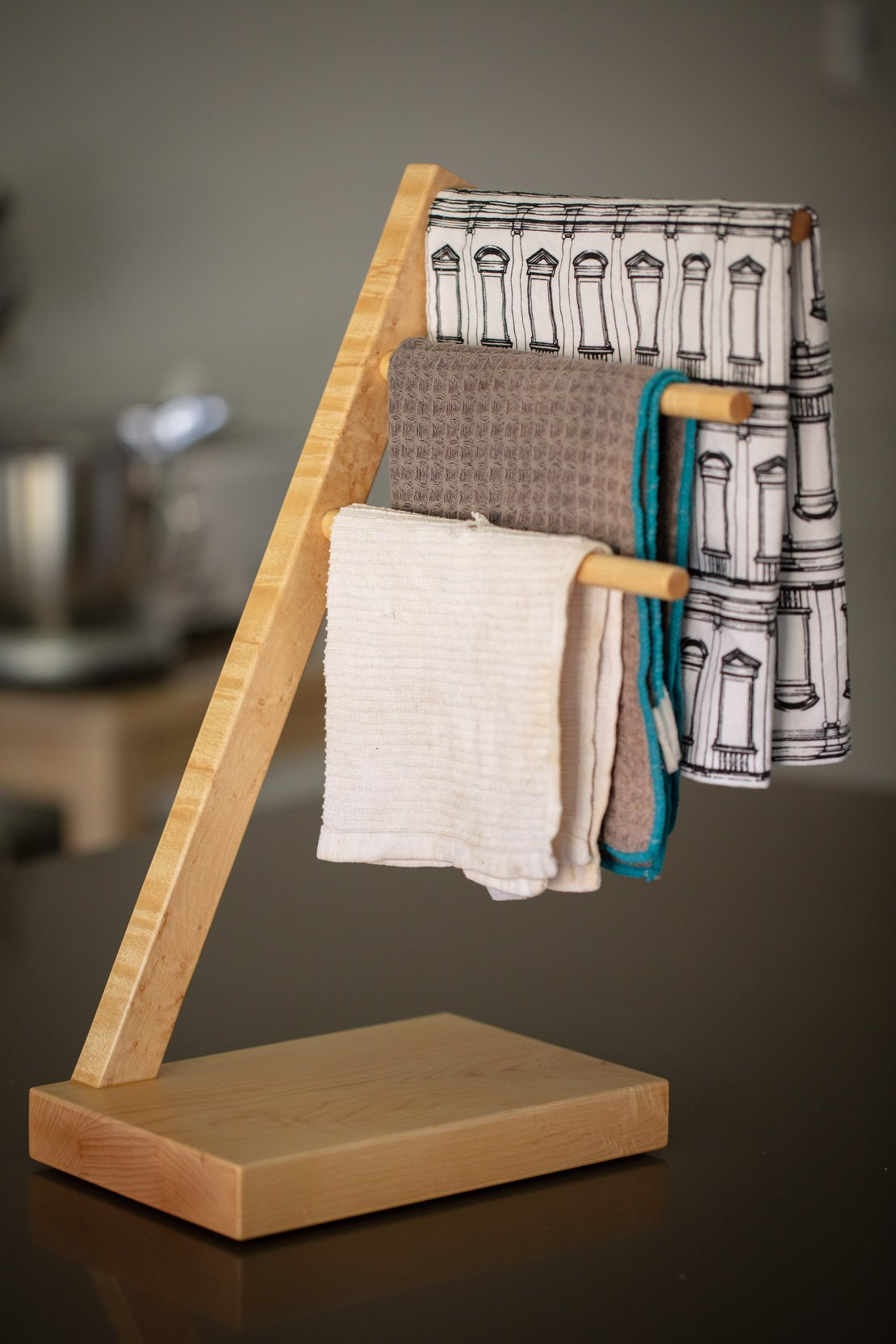 Kitchen Towel Rack with Towels